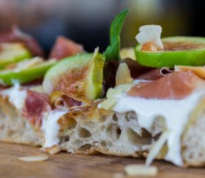 Crunch fichi e crudo - Cutilisci: il gusto di un'isola sana